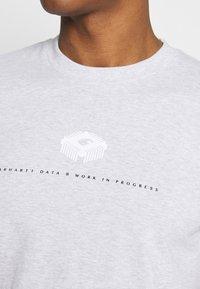 Carhartt WIP - DATA - Print T-shirt - ash heather - 5