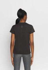Puma - RUN FAVORITE TEE - Camiseta estampada - black - 2