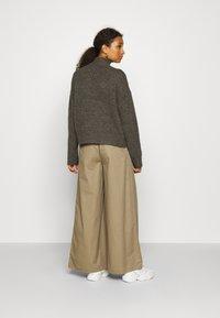 Even&Odd - BASIC- spongy perkin neck - Jersey de punto - charcoal - 2