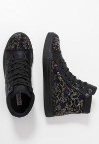 Steve Madden - RIOT - Sneakersy wysokie - black/silver - 1