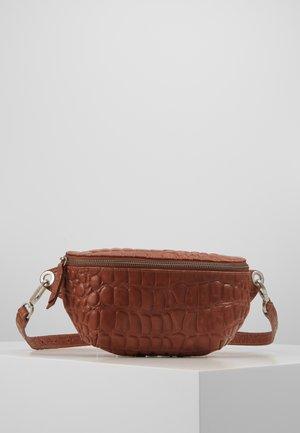 MABELTBAGM - Bum bag - medium brown