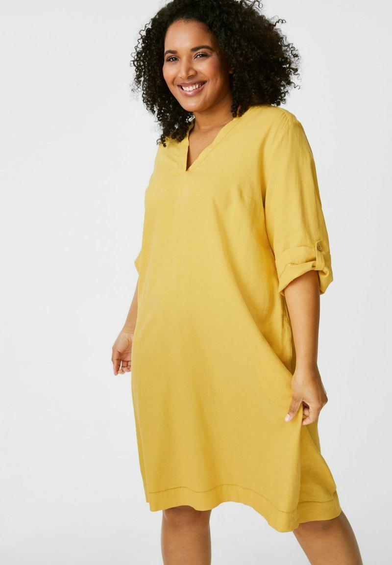 C&A - Day dress - yellow