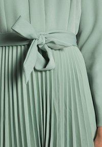 Closet - CLOSET PLEATED DRESS - Shirt dress - mint - 4