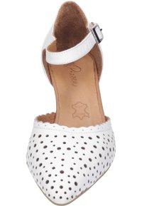 Piazza - Classic heels - weiß - 3