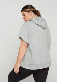 Active by Zizzi - Zip-up sweatshirt - light grey melange - 2