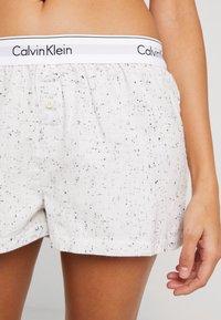 Calvin Klein Underwear - SLEEP SHORT - Nattøj bukser - snow heather - 4