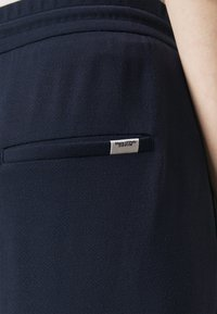 Marc O'Polo DENIM - THE WIDE LEG PANTS - Tracksuit bottoms - scandinavian blue - 4
