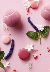 Lacoste Fragrances - L.12.12 POUR ELLE SPARKLING EAU DE TOILETTE - Woda toaletowa - - - 2