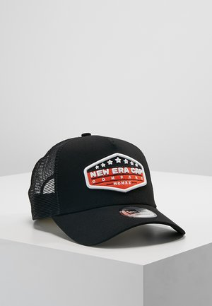PATCH TRUCKER - Cap - orange/black/optic white