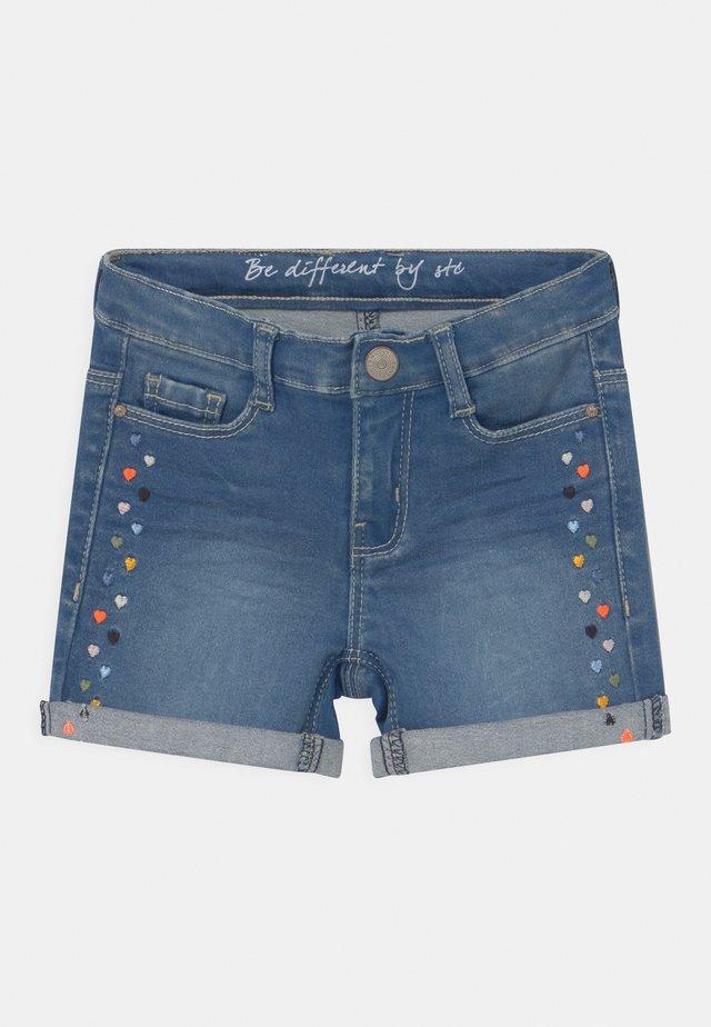 KID - Shorts di jeans - mid blue denim