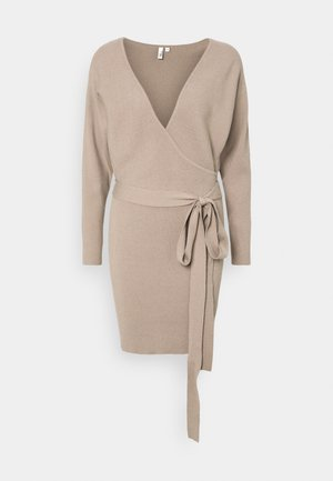 WRAP DRESS - Strikket kjole - beige