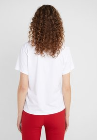 Escada Sport - EKOMIKI - T-shirt con stampa - white - 2