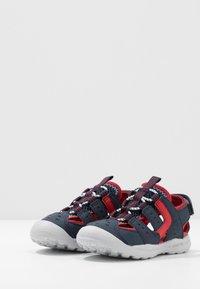 Geox - VANIETT - Chodecké sandály - navy/red - 3