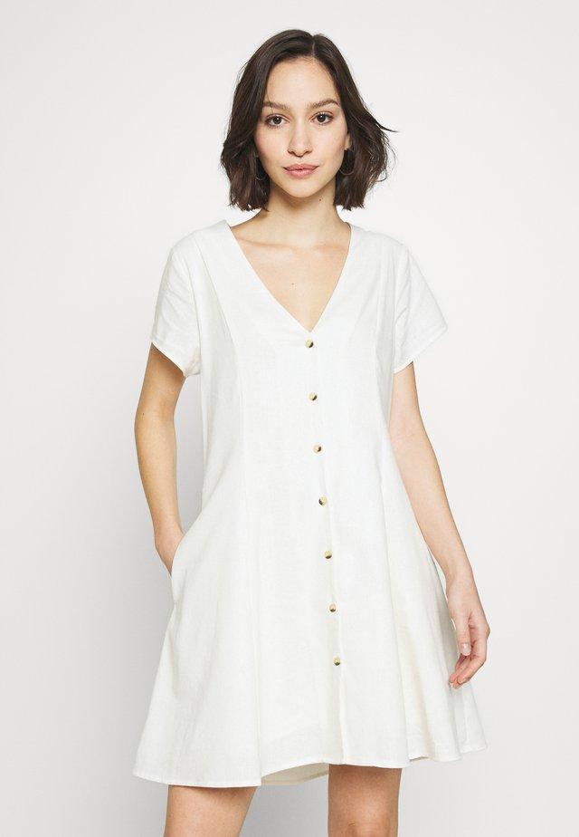 MILLA DRESS - Skjortekjole - vintage white