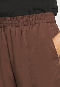 Monki - SAMI TROUSERS - Pantalones - brown - 4