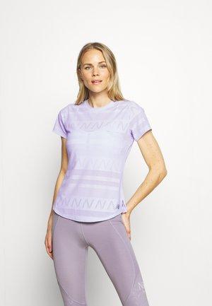 Q SPEED SHORT SLEEVE - Sports shirt - silent grey