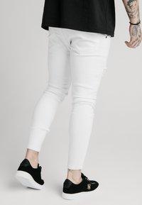 SIKSILK - DISTRESSED PRESTIGE - Skinny džíny - white - 2