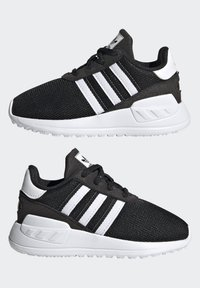 adidas Originals - LA TRAINER LITE SHOES - Sneakersy niskie - core black/ftwr white/core black - 5