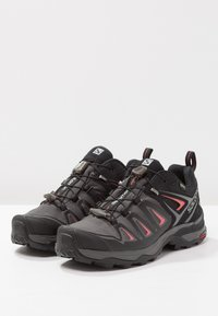 Salomon - X ULTRA 3 GTX  - Hiking shoes - magnet/black/mineral red - 2