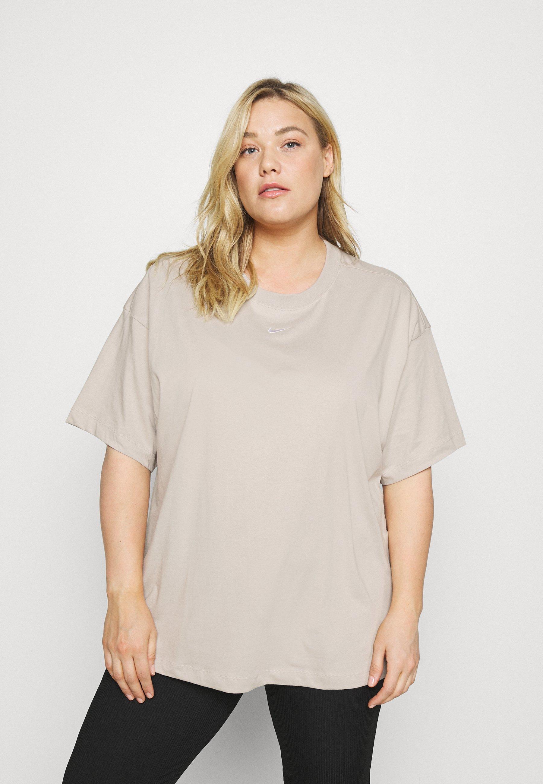 Women PLUS - Basic T-shirt