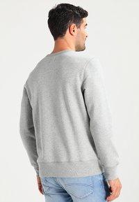 GAP - ORIGINAL ARCH CREW - Bluza - heather grey - 2