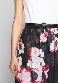 Apart - PRINTED DRESS - Maksimekko - black/multicolor - 5