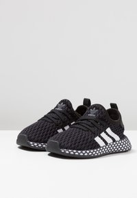 adidas Originals - DEERUPT RUNNER - Tenisky - core black/footwear white/grey five - 3