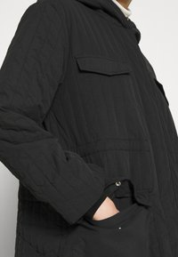 Selected Femme - SLFLORY QUILTED COAT - Classic coat - black - 5
