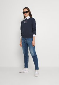 Tommy Jeans - TERRY LOGO - Sweatshirt - twilight navy - 1