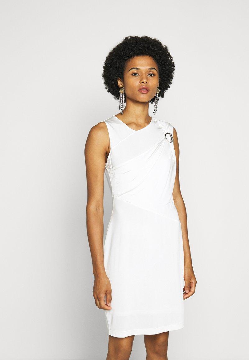Just Cavalli - Pouzdrové šaty - white