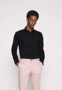 Twisted Tailor - HORLEY SHIRT - Camicia elegante - black - 0