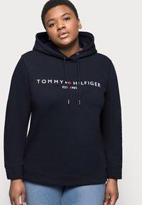 Tommy Hilfiger Curve - HOODIE - Sweat à capuche - blue - 3