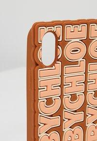 See by Chloé - Obal na telefon - caramello - 2