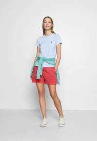 Polo Ralph Lauren - SLIM SHORT - Shorts - nantucket red - 1