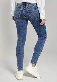 TOM TAILOR DENIM - JONA - Jeans Skinny Fit - used mid stone blue denim - 2