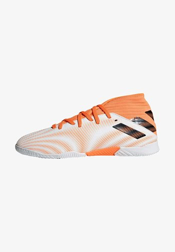 NEMEZIZ .3 INDOOR SHOES - Indoor football boots - ftwwht/cblack/scrora