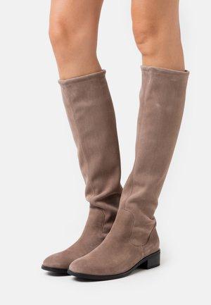 HETA - Boots - sand