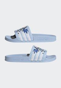 adidas Originals - ADILETTE ORIGINALS - Chanclas de baño - blue - 2
