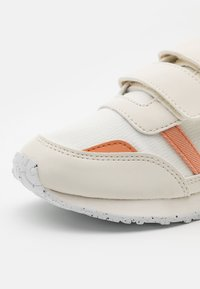 Lacoste - PARTNER UNISEX - Sneakers laag - offwhite - 5