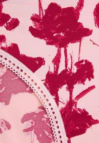 Calvin Klein Underwear - LIQUID TOUCH - Alushousut - sand rose - 6