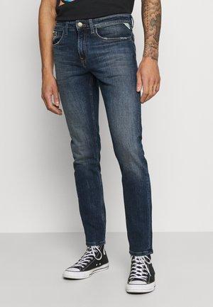 MILANO - Zúžené džíny - mike blue