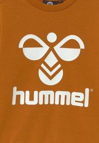 Hummel - DOS UNISEX - Sweatshirt - pumpkin spice - 2