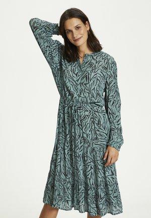 BPKALEY - Shirt dress - trellis algae print