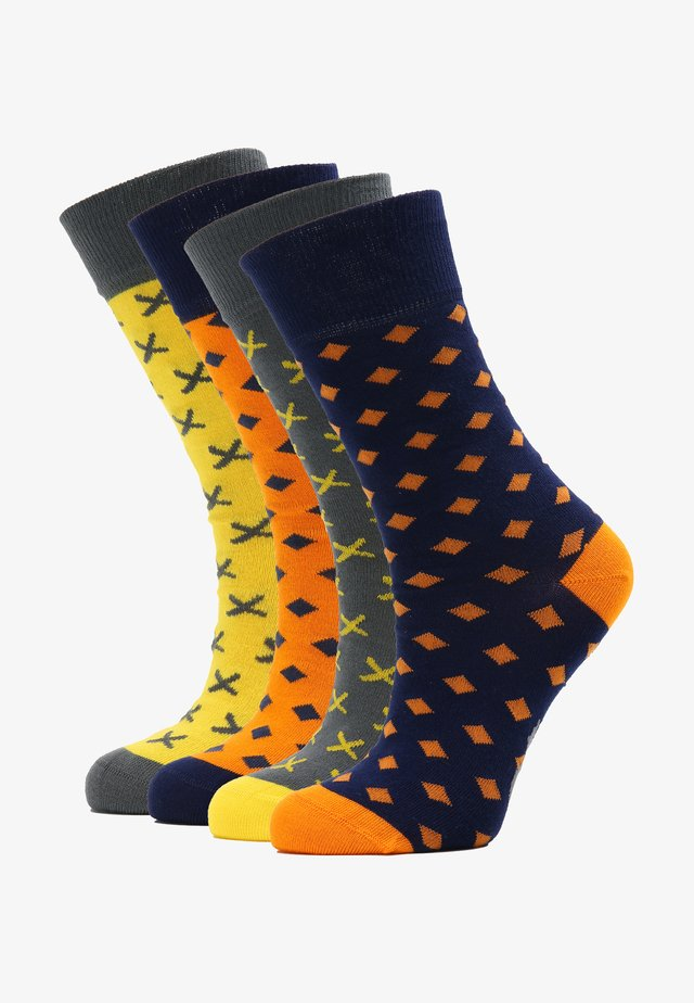 4 PACK - Socks - orange