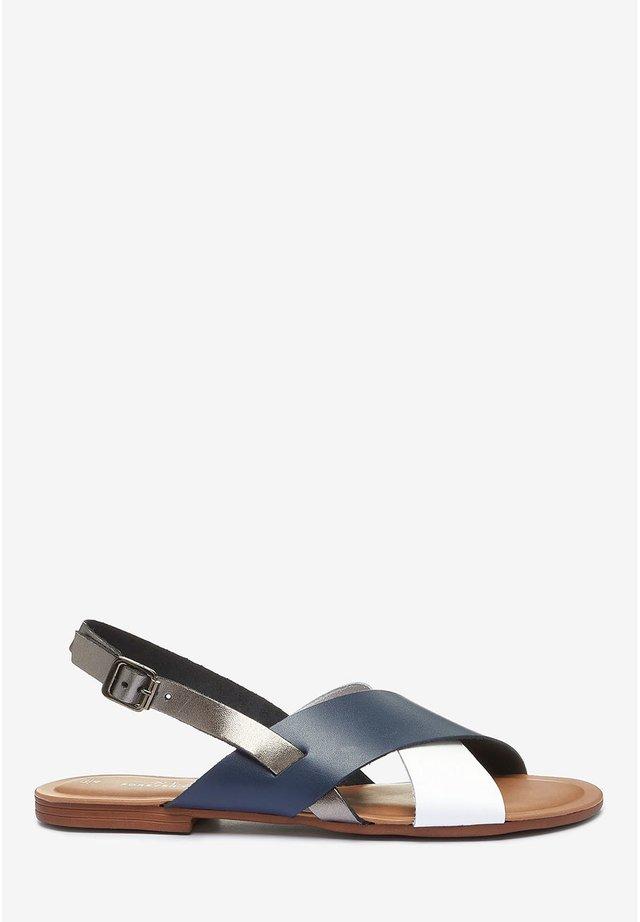 FOREVER COMFORT® CROSS FRONT SLINGBACKS - Sandalias - blue