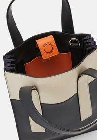 Paul Smith - WOMEN BAG MINI TOTE CON - Handbag - slate - 2