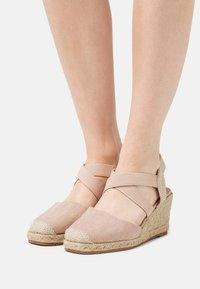 KHARISMA - Sandály na klínu - beige - 0