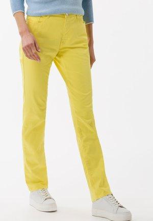 STYLE MARY - Pantalon classique - yellow