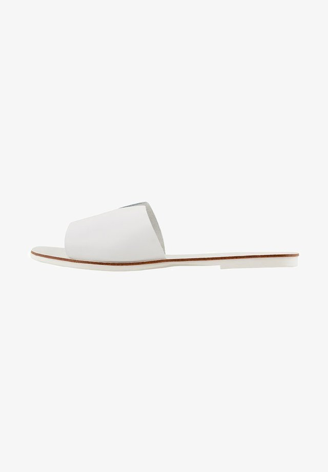 PSNORA - Mules - off-white