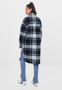 Bershka - Klasický kabát - blue - 2